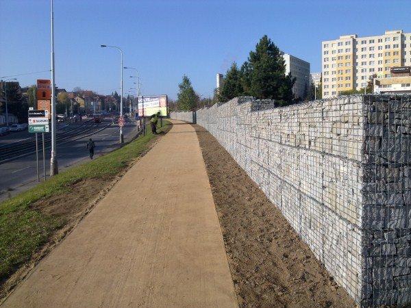 Gabionové stěny - Revitalizace Plzeňská P5