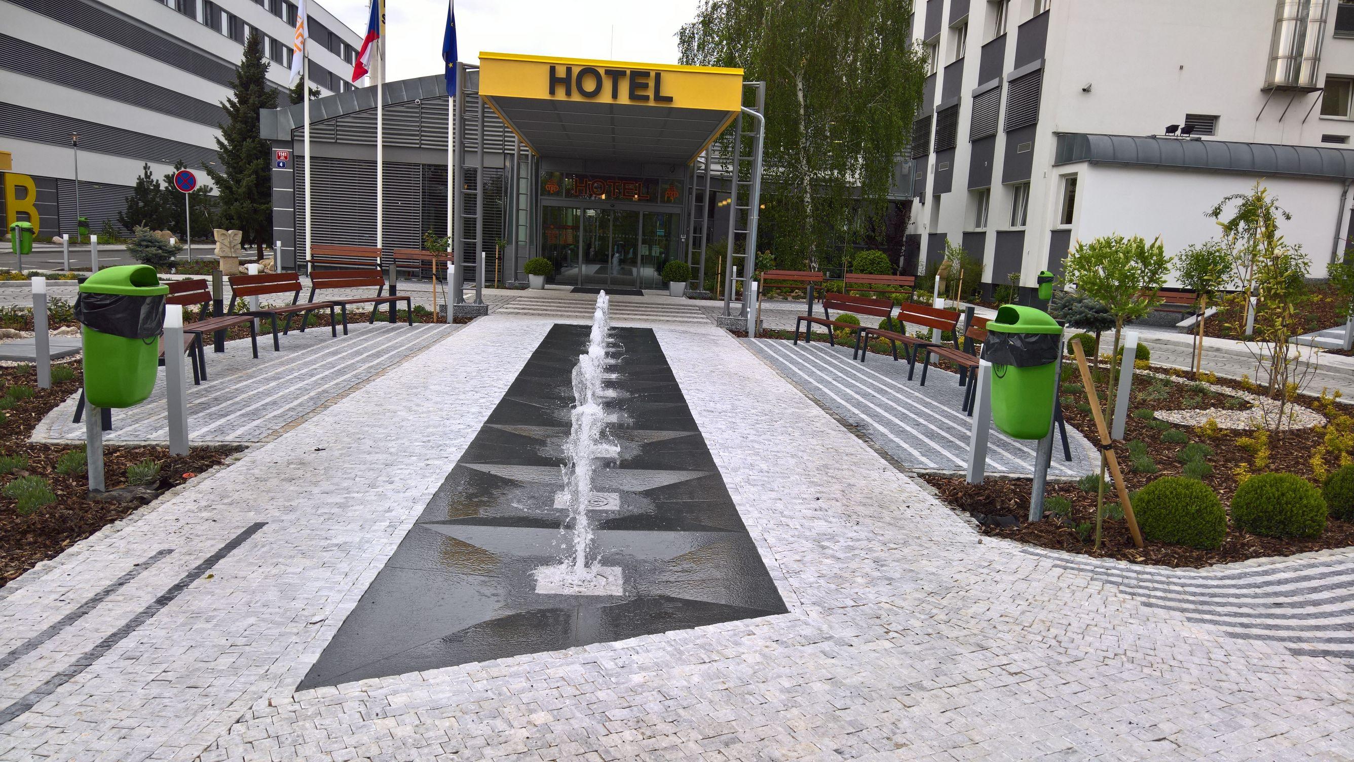 Parter Hotelu Step
